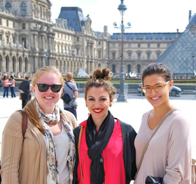 URI French students at the Louvre